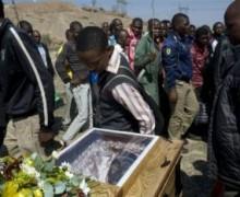 L'inculpation pour meurtre des grévistes de Marikana fait resurgir le spectre de la violence